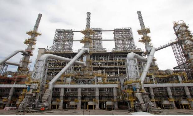 RNEST has a processing capacity of 230,000 barrels of oil per day.  In this unit, petroleum products are produced, such as naphtha, diesel and liquefied petroleum gas (LPG) Image: clone/Petrobras website