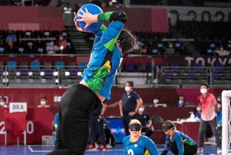 Goal: The women's team advances and faces the United States in the semifinals - Radio Itatia
